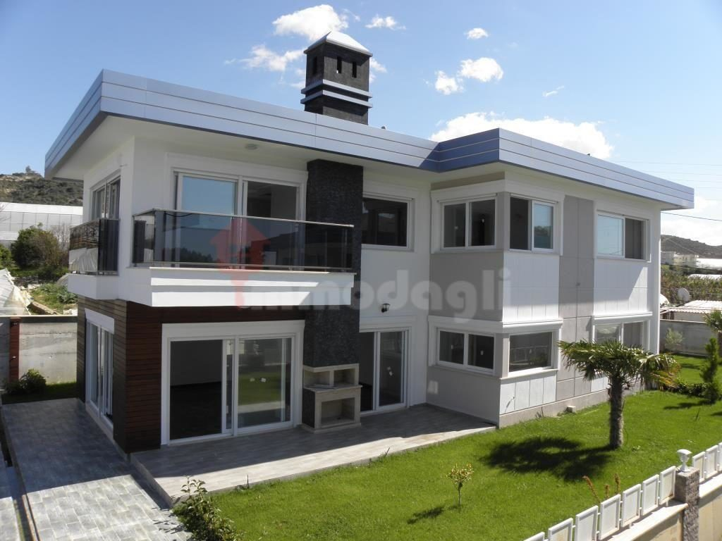 275000 Euro Seaside Villa For Sale in Alanya