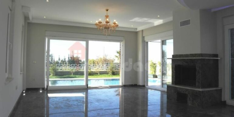 275000 Euro Seaside Villa For Sale in Alanya 5