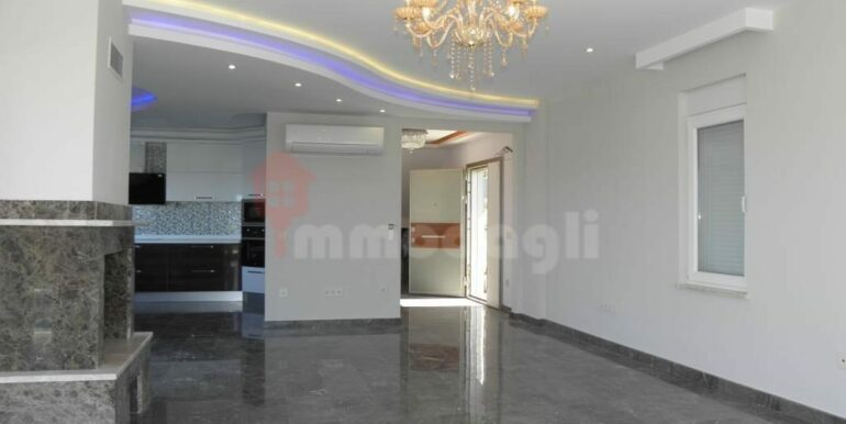 275000 Euro Seaside Villa For Sale in Alanya 7