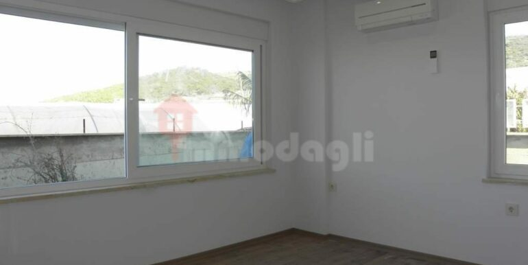 275000 Euro Seaside Villa For Sale in Alanya 12