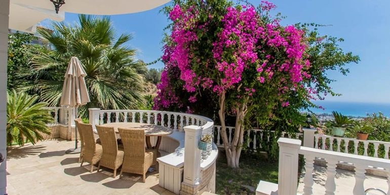 299000 Euro Villa For Sale in Alanya Cikcilli 6