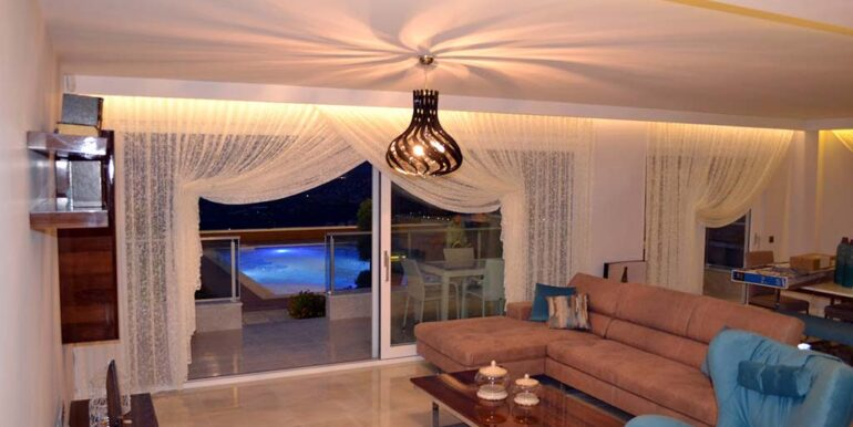 410000 Euro VIP Villa For Sale in Alanya Kargicak 4