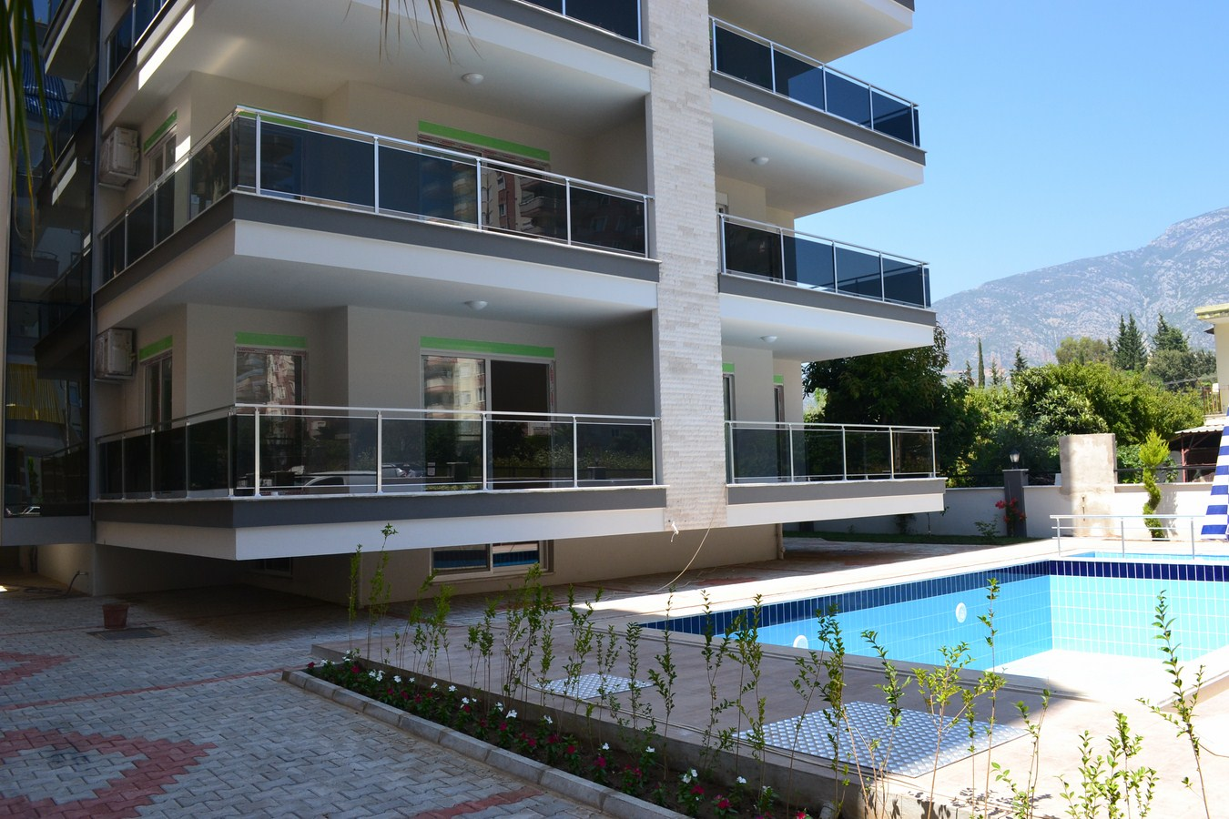 48000 Euro Beachfront Apartments til salg i Alanya