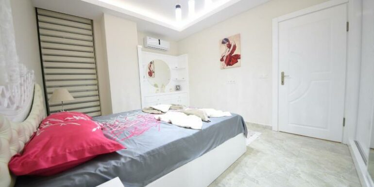 48000 Euro Beachfront Apartments For Sale in Alanya 13