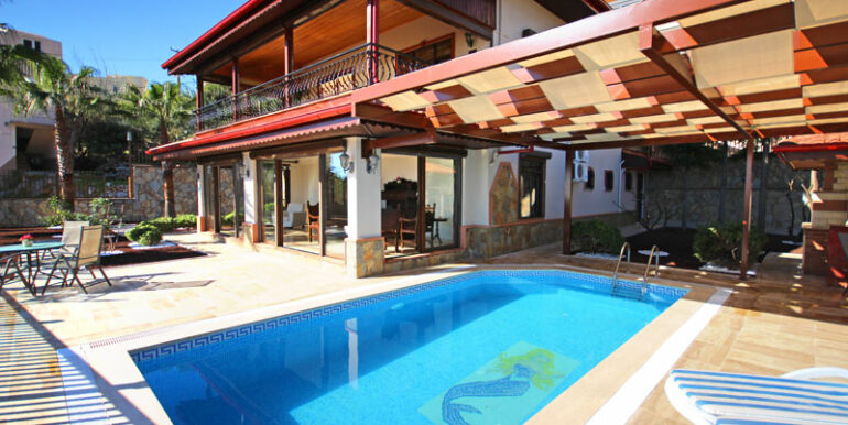 525000 Euro Villa For Sale in Alanya 1