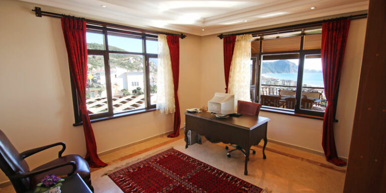 525000 Euro Villa For Sale in Alanya 15