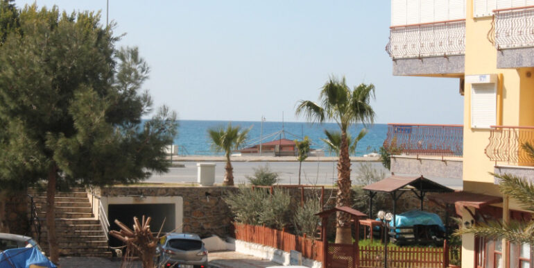 55000 Euro Beach Apartment For Sale in Alanya 1