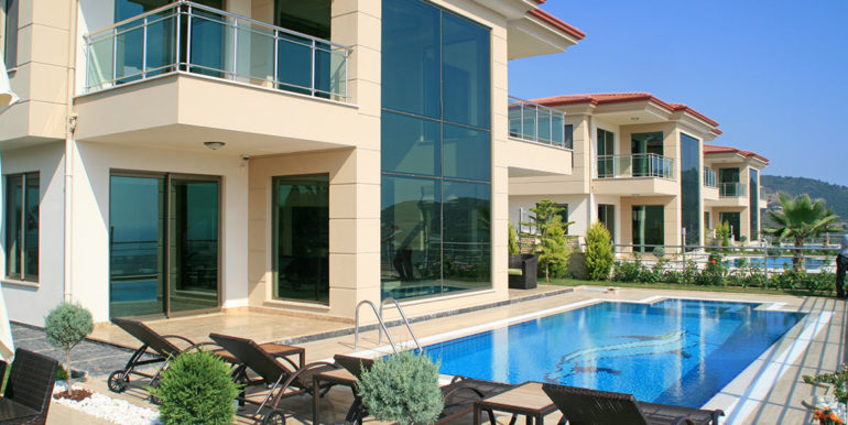 550000 Euro Luxury Villa For Sale in Alanya 1