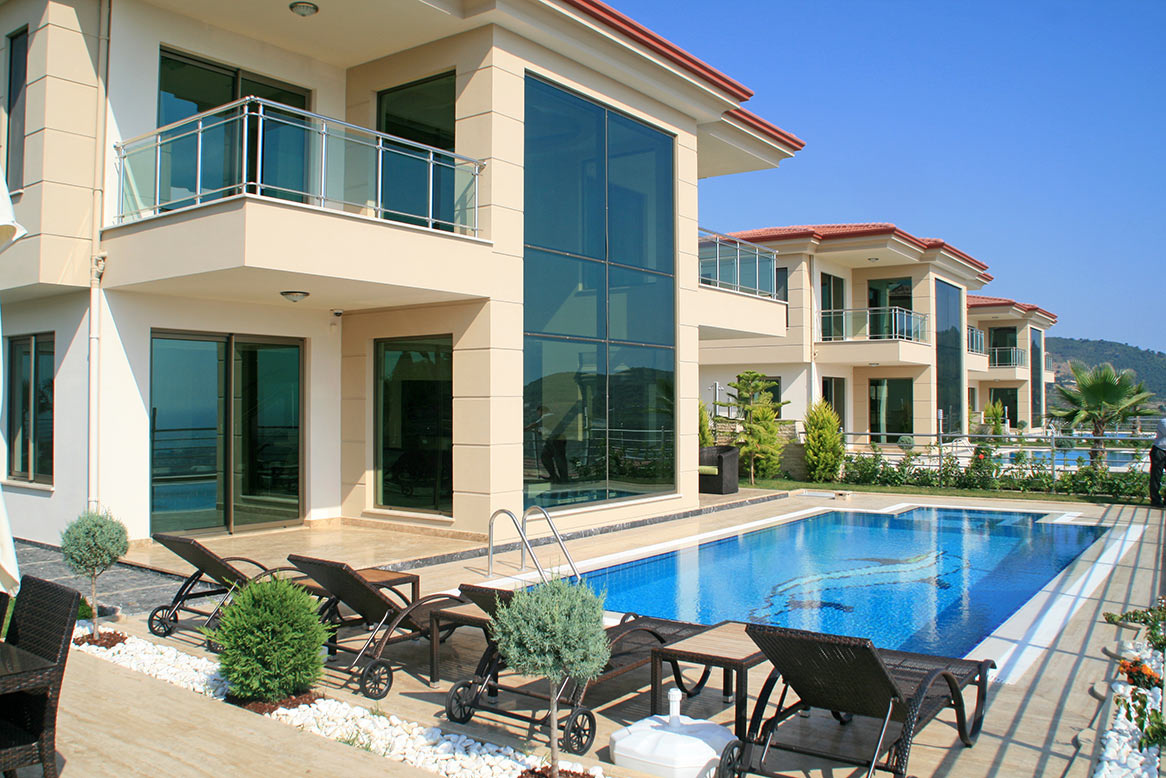 550000 Euro Luxury Villa For Sale in Alanya