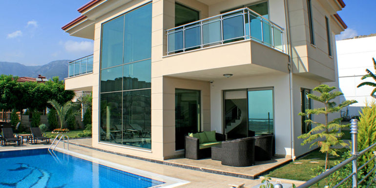 550000 Euro Luxury Villa For Sale in Alanya 2