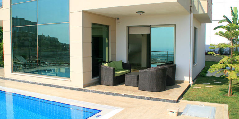 550000 Euro Luxury Villa For Sale in Alanya 3