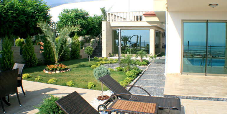 550000 Euro Luxury Villa For Sale in Alanya 5