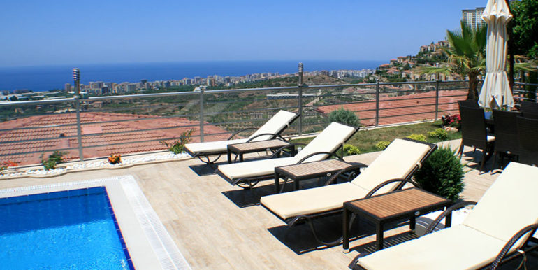 550000 Euro Luxury Villa For Sale in Alanya 7