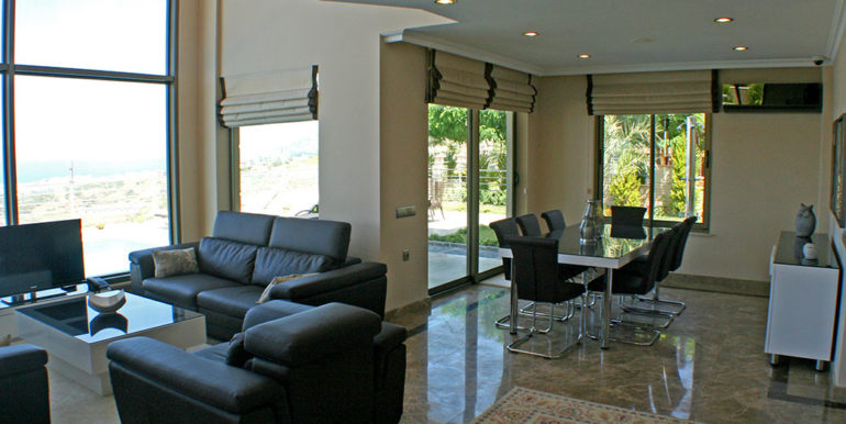 550000 Euro Luxury Villa For Sale in Alanya 8