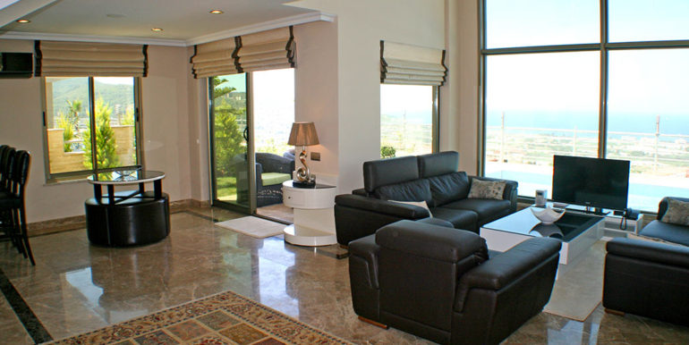550000 Euro Luxury Villa For Sale in Alanya 9