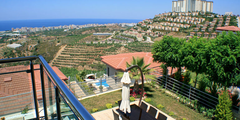 550000 Euro Luxury Villa For Sale in Alanya 42