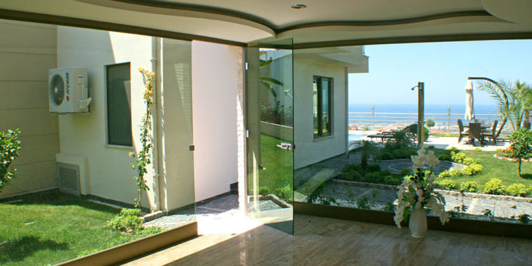 550000 Euro Luxury Villa For Sale in Alanya 43