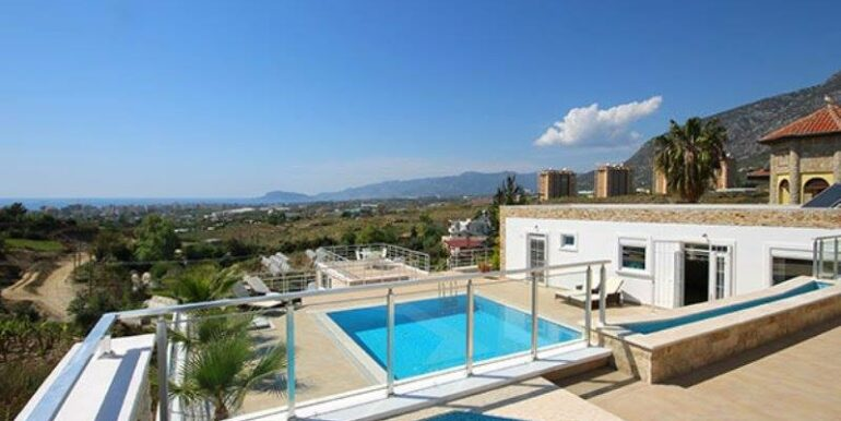 575000 Euro Villa For Sale in Alanya 4