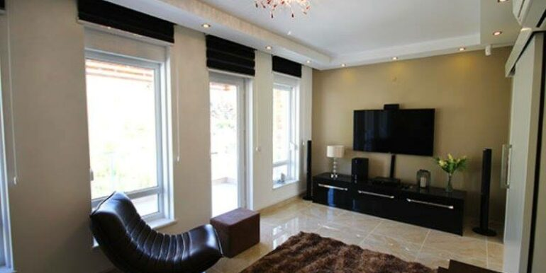 575000 Euro Villa For Sale in Alanya 16