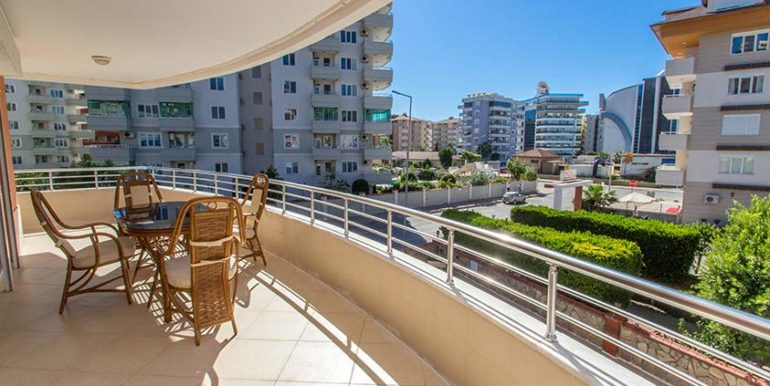 65000 Euro Beachfront Apartment For Sale in Alanya Oba 11