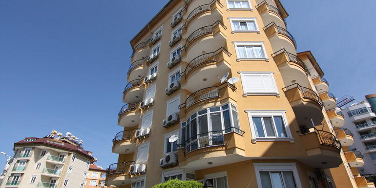 65000 Euro Centrum Apartment For Sale in Alanya 1