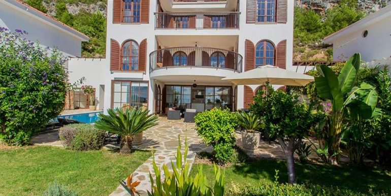 675000 Euro Luxury Villa For Sale in Alanya 4