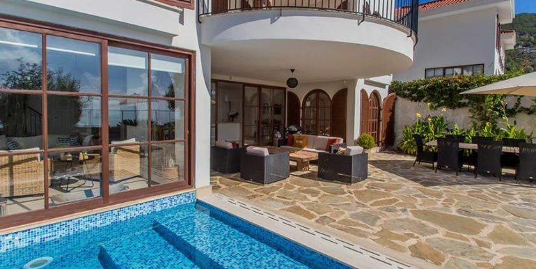 675000 Euro Luxury Villa For Sale in Alanya 5