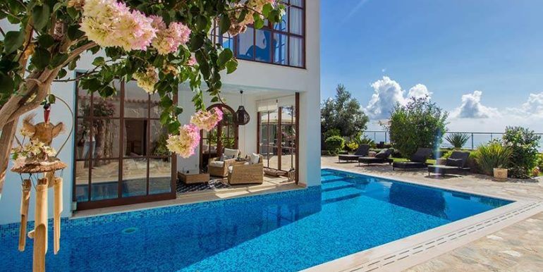 675000 Euro Luxury Villa For Sale in Alanya 6