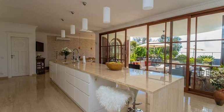 675000 Euro Luxury Villa For Sale in Alanya 10