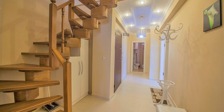 73000 Euro Penthouse For Sale in Alanya 2