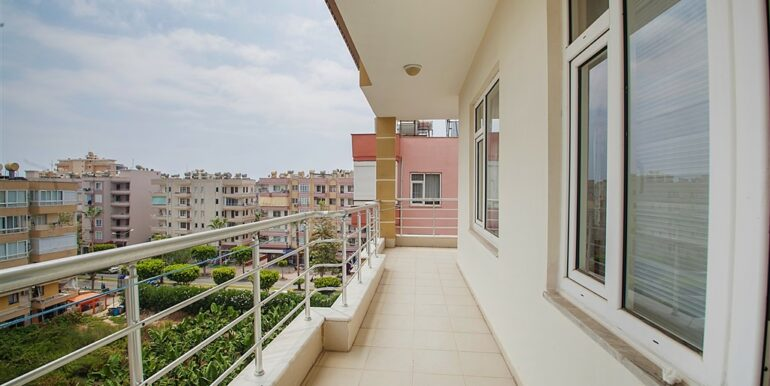 73000 Euro Penthouse For Sale in Alanya 7