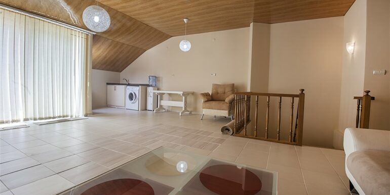 73000 Euro Penthouse For Sale in Alanya 15
