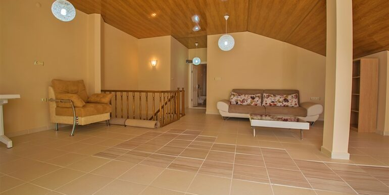 73000 Euro Penthouse For Sale in Alanya 16
