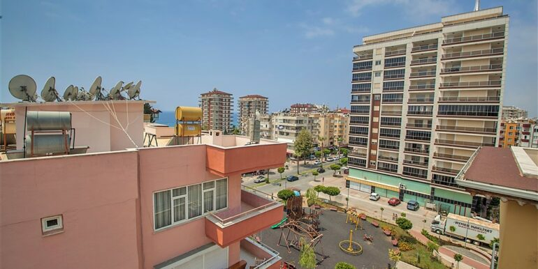 73000 Euro Penthouse For Sale in Alanya 19
