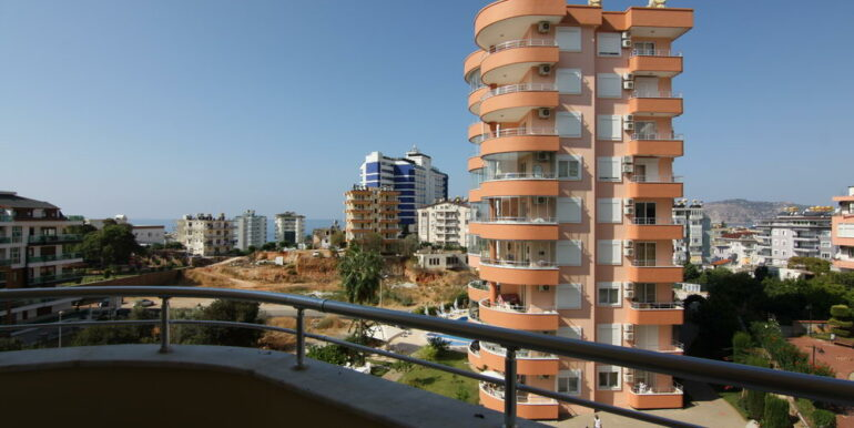 80000 Euro Sea View Apartment For Sale in Alanya Tosmur 2