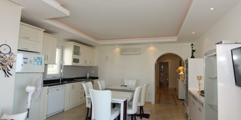 80000 Euro Sea View Apartment For Sale in Alanya Tosmur 5