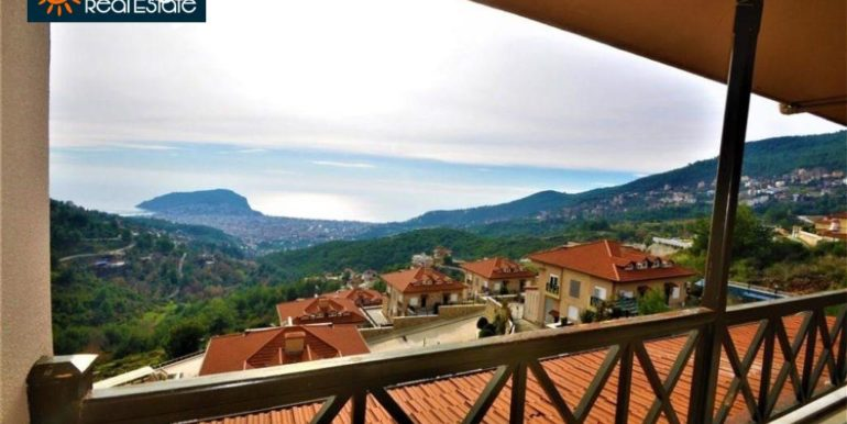 80000 Euro Sea View Penthouse For Sale in Alanya 2