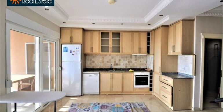 80000 Euro Sea View Penthouse For Sale in Alanya 10
