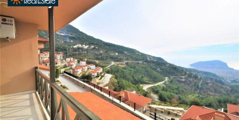 80000 Euro Sea View Penthouse For Sale in Alanya 19