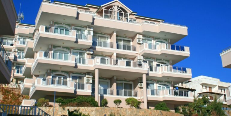 85000 Euro Sea View Apartment For Sale in Alanya 1