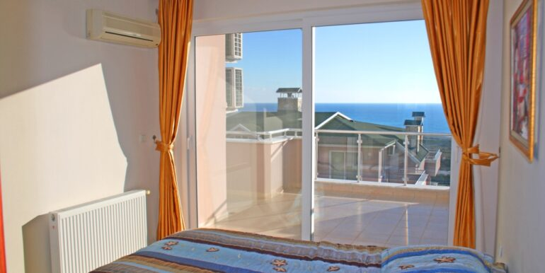 85000 Euro Sea View Apartment For Sale in Alanya 11