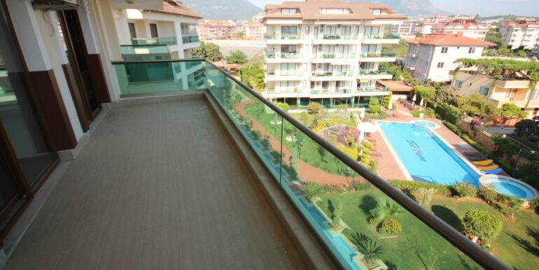 95000 Euro Penthouse For Sale in Alanya Oba 11