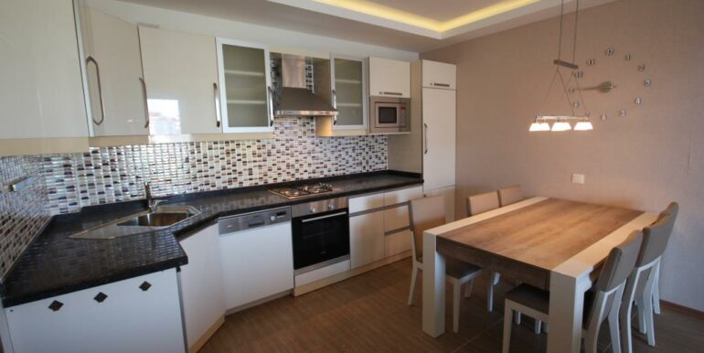95000 Euro Penthouse For Sale in Alanya Oba 12