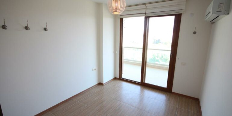 95000 Euro Penthouse For Sale in Alanya Oba 13