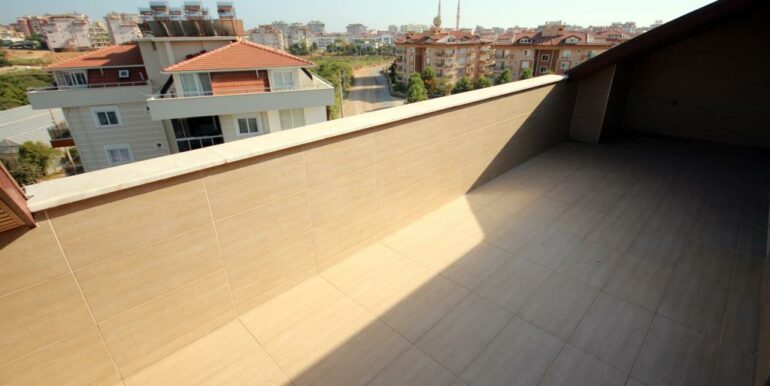 95000 Euro Penthouse For Sale in Alanya Oba 22