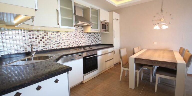 95000 Euro Penthouse For Sale in Alanya Oba 25