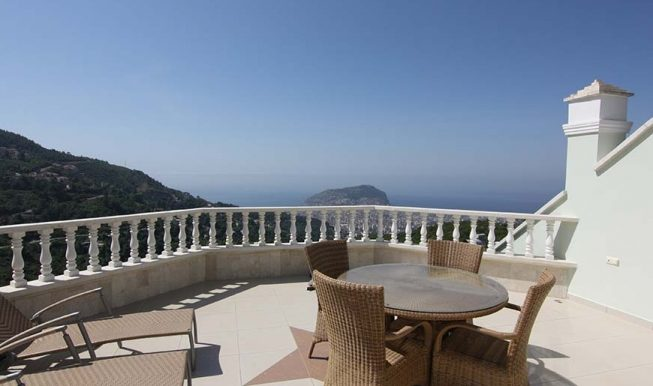 95000 Euro Sea View Penthouse For Sale in Alanya 1