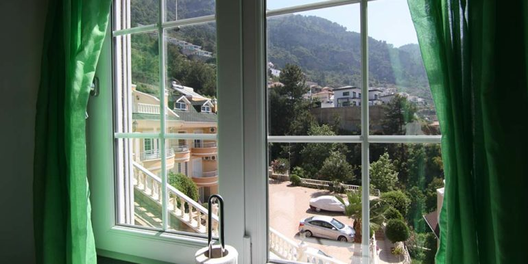 95000 Euro Sea View Penthouse For Sale in Alanya 9
