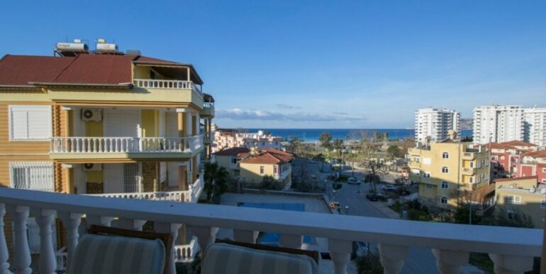 99000 Euro Penthouse For Sale in Alanya 1