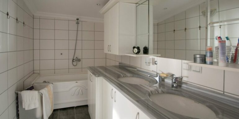 99000 Euro Penthouse For Sale in Alanya 26